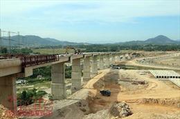 Vượt khó thi công cao tốc La Sơn - Túy Loan nối Đà Nẵng - Huế