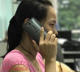 Bị điện giật sùi bọt mép vì vừa gọi điện thoại vừa cắm sạc pin