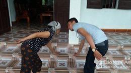 Nghệ An: Thềm nhà bất ngờ nóng tới 40 độ C, xã đề nghị một hộ dân sơ tán