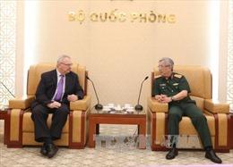 Thượng tướng Nguyễn Chí Vịnh tiếp Phó Chủ tịch cấp cao Hội đồng Kinh doanh Hoa Kỳ - ASEAN