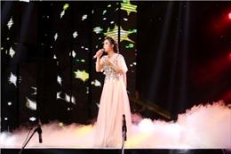 Thần tượng Bolero: Học trò Mr Đàm hát 'Thành phố buồn' với bản remix lạ