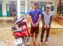 Sóc Trăng: Đồn biên phòng Vĩnh Hải bắt hai đối tượng trộm cắp xe máy