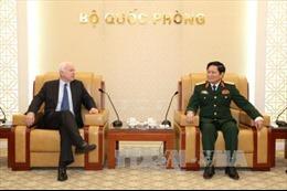 Bộ trưởng Bộ Quốc phòng tiếp Đoàn Ủy ban Quân lực Thượng viện Hoa Kỳ