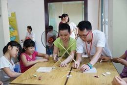 Giúp trẻ vui học với đồ chơi STEM