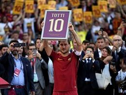 """Francesco Totti nhận giải thưởng Chủ tịch UEFA cho """"lòng trung thành và cống hiến"""""""