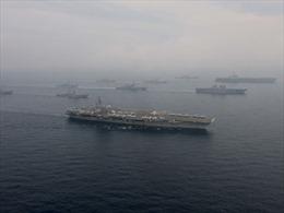 Xem hai tàu sân bay Mỹ tập trận trên Biển Nhật Bản
