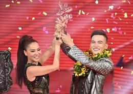 Trực tiếp Chung kết The Voice 2017: Ali Hoàng Dương trở thành quán quân