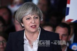 Vụ khủng bố trút áp lực lên Thủ tướng Theresa May