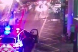 Nghẹt thở cảnh khủng bố London bị tiêu diệt bằng 50 phát đạn