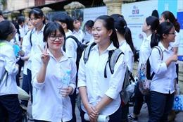 Đề bài vừa sức, thí sinh thi vào 10 Hà Nội 'thở phào' với môn Văn