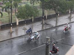 Thời tiết ngày 11/6: Áp thấp nhiệt đới có khả năng mạnh thêm