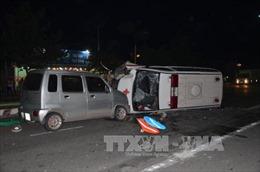Bến Tre: Xe cấp cứu gây tai nạn liên tiếp trong đêm, một người tử vong