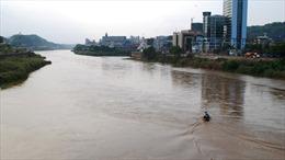 Xuất hiện lũ lớn trên sông Hồng đoạn qua Lào Cai