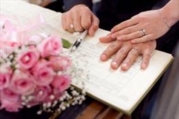 Không cho nhập hộ khẩu vì chưa tổ chức đám cưới dù đã đăng ký kết hôn có đúng không?