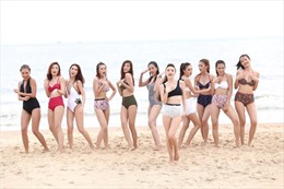 Top 10 The Face diện bikini khoe dáng nuột nà cùng Bảo Thy trên bờ biển