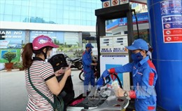 Giá xăng, dầu quay đầu giảm nhẹ