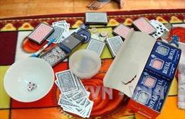 8X táo tợn dựng chòi lá sau biệt thự tổ chức đánh bạc quy mô lớn
