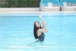 Top 9 The Face mặc Bikini, đẹp quyến rũ trong làn nước xanh thẳm