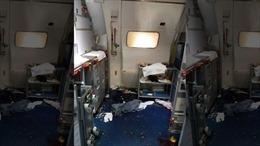 Làm loạn trên máy bay, khách hạng nhất nguy cơ lĩnh án 20 năm tù, phạt hơn 5,6 tỉ đồng
