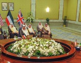 Kuwait, Mỹ, Anh kêu gọi đối thoại giải quyết khủng hoảng Qatar