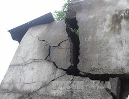 TP Hồ Chí Minh khẩn trương hỗ trợ người dân bị sụn lún nhà thi công dự án chống ngập