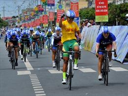Nguyễn Thị Thật 'vô đối' ở giải đua xe đạp nữ An Giang