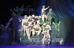 'Chung một chiến hào' - vở kịch thấm đậm tình nghĩa Lào – Việt