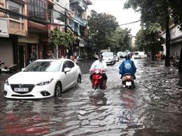 Không tuân thủ quy hoạch, đô thị nhếch nhác, ùn tắc, ngập lụt còn dài