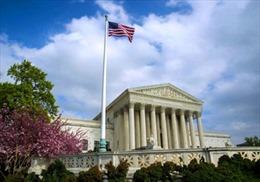 Tòa án Tối cao Mỹ ủng hộ nới lỏng sắc lệnh hạn chế nhập cảnh