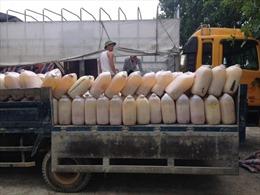 Tiêu hủy hơn 6 tấn mỡ lợn không rõ nguồn gốc