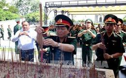 Đại tướng Ngô Xuân Lịch dâng hương, tri ân các anh hùng liệt sỹ