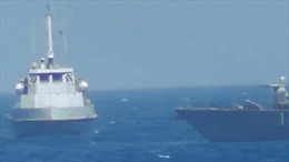 Video cận cảnh tàu Mỹ bắn cảnh cáo chiến hạm Iran cách 137m