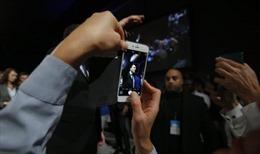 Liệu có phải Nga dùng Facebook theo dõi ban vận động của Tổng thống Pháp?