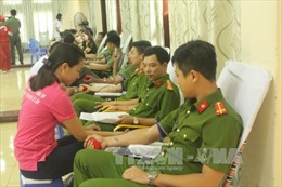 Ngày hội 'Giọt hồng xứ Thanh' thu được hơn 2.000 đơn vị máu