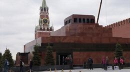 Tổng thống Nga Vladimir Putin cam kết bảo quản thi hài Lenin trong lăng