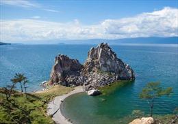 Hồ nước ngọt sâu nhất thế giới bị ô nhiễm nghiêm trọng