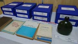 Trao tặng 6.000 tài liệu hiện vật của giáo sư Hoàng Đình Cầu