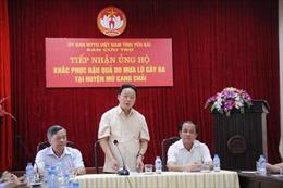 Bộ Tài nguyên và Môi trường trao 800 triệu đồng hỗ trợ đồng bào vùng lũ