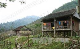 Những ngôi nhà ấm tình đồng bào dưới chân núi Kà Đay