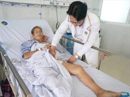 Giữ chân trái thành công cho cụ bà bị suy tim nặng biến chứng thuyên tắc động mạch chân