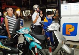 Giá xăng tăng nhẹ trở lại sau 3 lần giảm liên tiếp