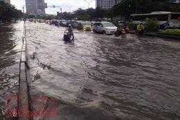 Sửa chữa hư hỏng đường Nguyễn Hữu Cảnh (TP Hồ Chí Minh) để giảm ùn tắc giao thông