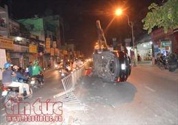 Phân luồng hiện trường tai nạn, bảo vệ dân phố bị xe đâm nhập viện