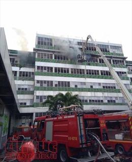 Cháy lớn ở công ty Pou Yuen thiêu rụi nhiều tài sản