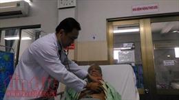 Bị ngưng tim do nhồi máu cơ tim, cụ ông may mắn được cứu sống