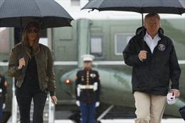 Sau khi bão Harvey tàn phá Texas, Tổng thống Trump lập tức đáp máy bay thị sát