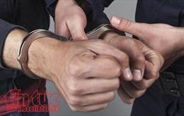 Tạm giữ hai đối tượng để điều tra hành vi chế tạo súng