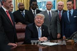 Tổng thống Mỹ gia hạn đạo Luật thương mại chống Cuba