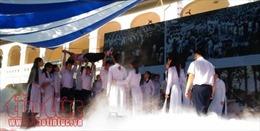 Nguyên Chủ tịch nước về tham dự lễ kỷ niệm 90 năm thành lập trường và khai giảng năm học mới