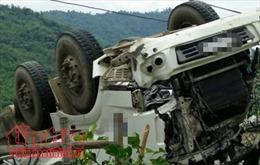 Không làm chủ tốc độ, xe container gây tai nạn trên Quốc lộ 18